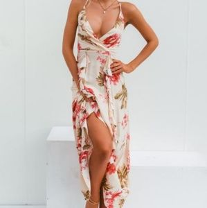 Dresses & Skirts - Floral maxi strappy crisscross back dress